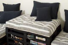 1000 id es sur coussins de banquette sur pinterest coussins pour banc petits canap s et coupe. Black Bedroom Furniture Sets. Home Design Ideas