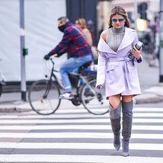 Street Style | Mais uma para mostrar o look todo e a bota deusa da @luizabarcelos! #ootd #thassiaMFW #thassiastyle #btviaja Street Style! One to show the entire look with these goddess boots from @luizabarcelos!