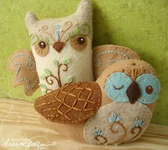 really cute owl plushie. lots of other owl decor and diy's here too!