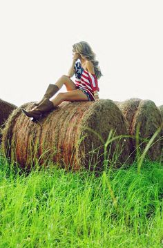 Accessorize your of July red, white & blue outfit with cowboy boots Country Girl Photography, 4th Of July Photography, Teen Photography, Portrait Photography, Cute Senior Pictures, Country Senior Pictures, Prom Pictures, Senior Pics, Senior Year