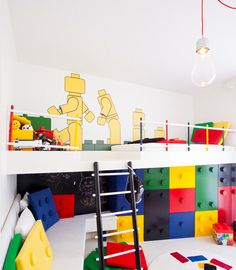 Lego themed bedroom for kids... http://www.browzer.net/category/rooms/bedroom-ideas/