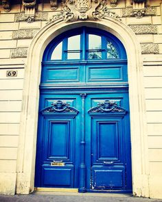 No. 69 | Bright Blue Door in Montmartre, Paris