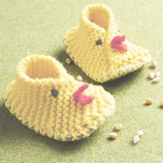 KIT for Baby Chick Crossover Slippers in softest Wool yarn and Felt - pinned by pin4etsy.com