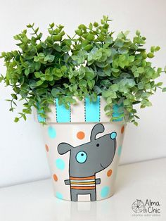 16 Peculiar Planter Designs That Will Catch Your Eyes HomelySmart Painted Flower Pots, Painted Pots, Types Of Flowers, Diy Flowers, Posca Art, Flower Pot Design, Sympathy Flowers, Flower Mandala, Flower Farm