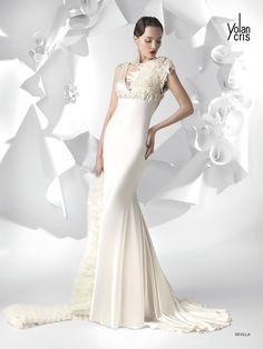 #Sevilla #YolanCris #Spanish #brend #salonvencanica #vencaniceBeograd #Didier #different #unusal #exclusive #moda #fashion #bride #model #wedding #dress #white #long #pearls #blind #gentle #material #fiminie