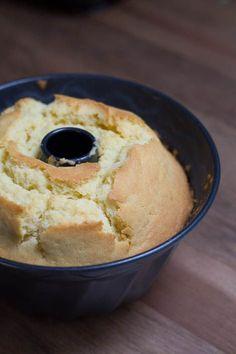 Zitronen Gugelhupf mit Mascarpone Creme