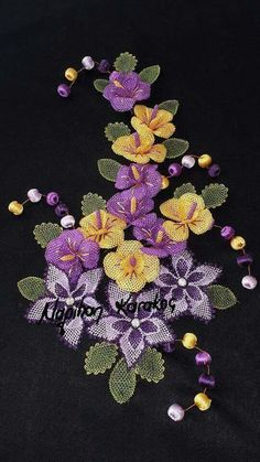 Neşe'nin gözdeleri Seed Bead Flowers, Beaded Flowers, Crochet Flowers, Silk Flowers, Hand Embroidery Stitches, Ribbon Embroidery, Embroidery Designs, Filet Crochet, Bead Crochet
