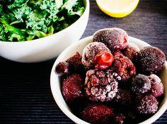 Kale & red berry smoothie | seefoodplay.com