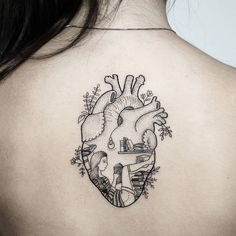 Heart with a girl inside. Trendy Tattoos, Love Tattoos, Beautiful Tattoos, Body Art Tattoos, Small Tattoos, Tatoos, Mini Tattoos, Tattoo Und Piercing, Geniale Tattoos
