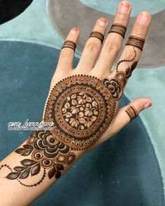 Henna Tattoo Designs Arm, Back Hand Mehndi Designs, Wedding Mehndi Designs, Mehndi Designs For Fingers, Latest Mehndi Designs, Arabic Mehndi Designs, Henna Art, Mehndi Design Photos, Mehndi Images