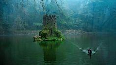 The hidden castle at the Quinta da Regaleria in Sintra, Portugal Sintra Portugal, Spain And Portugal, Portugal Travel, Portugal Trip, Beautiful Places To Visit, Oh The Places You'll Go, Places To Travel, Parque Natural, Famous Castles