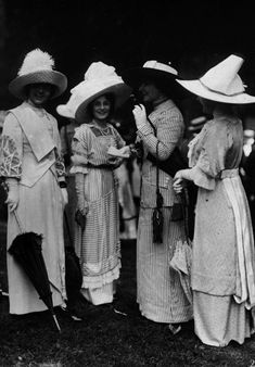 Séeberger brothers -- instantanes de Haute-Mode -- snapshots of high fashion (races in the Bois de Boulogne)