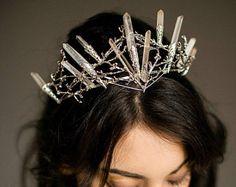 BRIENNE quartz crown, crystal crown for a whimsical bride, unusual tiara, game of thrones inspired,statement headpiece, raw quartz crown