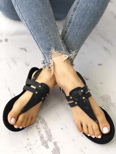 5a813abe3ccd Shop Rivet Multi-Strap Buckled Toe Post Flat Sandals – Discover sexy women  fashion at Boutiquefeel