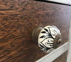 Dresser Drawer Pulls, Dresser Knobs, Dresser Drawers, White Wash Dresser, Kitchen Cabinets Knobs And Pulls, Decorative Knobs, Unique Doors, Knobs And Handles, Restoration
