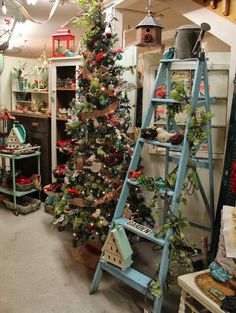 JOYWORKS-Bird Christmas Tree 2013 ( one of my favorite shops ever and place I like to get some Christmas inspiration every year!)