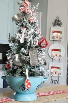 Kitchen christmas tree in a colander farmhouse christmas kitchen, farmhouse christmas ornaments diy, christmas Rustic Christmas Ornaments, Decoration Christmas, Small Christmas Trees, Farmhouse Christmas Decor, Noel Christmas, Xmas Decorations, Christmas Projects, Winter Christmas, Holiday Crafts