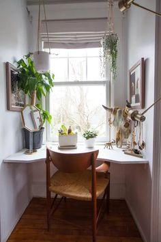 Tour a Vintage Furniture Dealer's Long Island House Office Furniture Design, Furniture Ads, Furniture For You, Pallet Furniture, Vintage Furniture, Cool Furniture, Vintage Home Offices, Rustic Home Offices, Long Island House