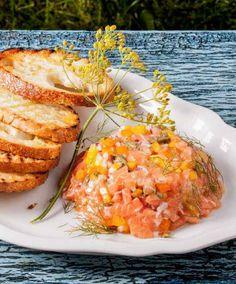 Lososový tatarák, Foto: moje láska Fish Recipes, Salsa, Food And Drink, Mexican, Yummy Food, Fresh, Cooking, Ethnic Recipes, Recipes