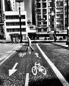 Caminho! #blackandwhite #streetphotography