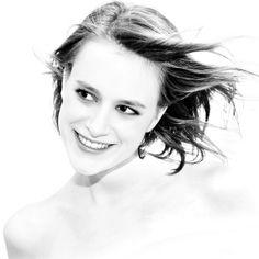 Laura High Key series | http://www.isthatgirlhot.com/image/872/Laura_High_Key_series/