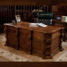 This fabulous executive desk would be beautiful in your study at home or choose to place it at the office. Fully functioning 6 drawers allow for filing Office Furniture Design, Home Office Design, Office Decor, Office Designs, Design Desk, Classic Furniture, Luxury Furniture, Home Furniture, Corner Furniture