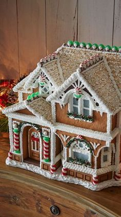 Peppermint Porch Gingerbread House #HolidayAffairwithSBC