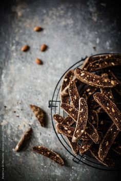 Extra crunchy chocolate biscotti low in fat, with toasted almonds and chocolate chips. Food Photography Styling, Food Styling, Dark Photography, Photography Ideas, Chocolate Crepes, Dry Bread, Did You Eat, Toasted Almonds, Food Menu