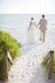Beach Weddings in Florida | Clane Gessel Photography | #weddings #photography #beachweddings #florida