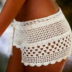 Short beach shorts, crocheted from high quality yarn. Crochet Bikini Pattern, Swimsuit Pattern, Crochet Shorts, Crochet Clothes, Crochet Top, Crotchet, Short Outfits, Summer Outfits, Summer Clothes