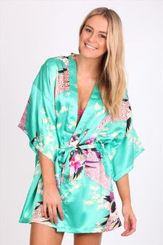 Cute robe Girl Style, My Style, Girly Girl, Bedtime, Girl Fashion, Cover Up, Runway, Relax, Clothing