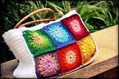 Crochet sunburst granny bag, pattern free from Diaper Mum