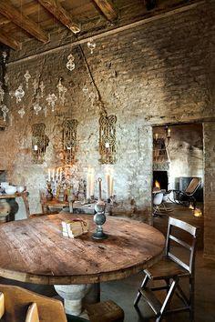 antiguo molino restaurado: rústico-chic