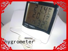 Electronic temperature and humidity meter, simple and practical, and can simultaneously measure the indoor and outdoor temperature