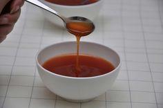 Salsa agrodolce, ricetta per Bimby. Ingredienti: 50 gr di concentrato di pomodoro, 250 gr di acqua, 50 gr di farina, 2 cucchiai di salsa di soia, 50 gr di aceto di vino, 50 gr di zucchero