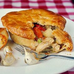 An old fashioned favourite with an updated method to ensure a crispy pastry and intensely flavourful filling. A comfort food classic. The post Turkey Pot Pie appeared first on Rock Recipes. Turkey Stew, Leftover Turkey Recipes, Turkey Leftovers, Turkey Dishes, Rock Recipes, Health Recipes, Pastry Recipes, Pie Recipes, Recipies