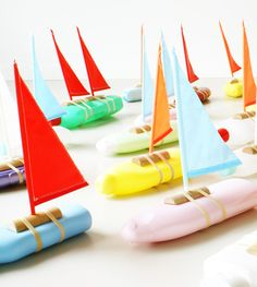 turn any shampoo bottle into a bath time boat. by floris hovers Kids Crafts, Crafts For Kids To Make, Diy Arts And Crafts, Boat Crafts, Bateau Diy, Summer Preschool Activities, Kids Corner, Kids Playing, Diy Gifts