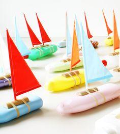 Knutselpakket Zeilboot (gemaakt van lege shampoofles) Ontwerp 'bottleboat':Floris Hovers) Ideaal #speelgoed voor #lente en #zomer ! #knutselen