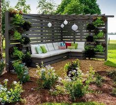 75 Easy Cheap Backyard Privacy Fence Design Ideas - Bailee News Privacy Fence Designs, Privacy Landscaping, Backyard Privacy, Pergola Designs, Garden Privacy, Privacy Screens, Landscaping Design, Garden Arbor, Outdoor Privacy