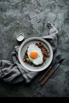 May 2020 - Beautiful food photography images with delicious recipes and cooking inspiration. See more ideas about Food photography, Food and Food styling. Breakfast Photography, Food Photography Styling, Food Styling, Photography Ideas, Photography Lighting, Photography Camera, Egg Recipes, Brunch Recipes, Breakfast Recipes