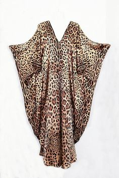 I'm Not Quite Ready To Wear A Leopard-Print Kaftan This Christmas – My Midlife Mayhem By Louisa Simmonds Kaftan Style, Caftan Dress, African Fashion Dresses, African Dress, Kaftan Pattern, Long Kaftan, Beach Kaftan, Animal Print Outfits, Animal Prints