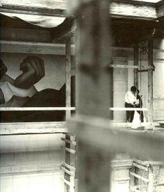 i-love-art: arsvitaest: Diego Rivera and Frida Kahlo, scaffolding at Detroit Institute of The Arts, (via jazzandsuchpotpourri) Frida E Diego, Diego Rivera Frida Kahlo, Frida Art, Divas, Clemente Orozco, Mexican Artists, Art Of Living, Artist Art, Love Art