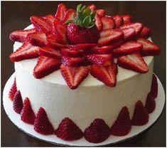 Strawberries Cake @ http://www.cakengifts.in/strawberry-cake