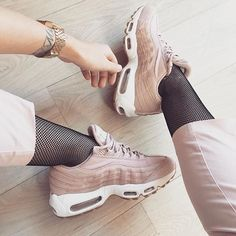 Nike air Max 95 by @classy_and_classic . . . #gomf #girlsonmyfeet