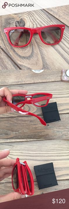 Ray-ban folding wayferers In like new condition: no scratches and no signs of wear! They come with the case and are authentic Ray-Ban Accessories Sunglasses