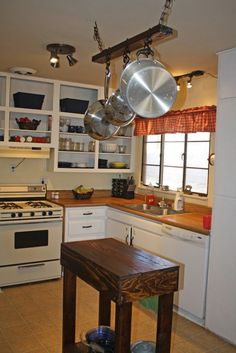 Amazing Rustic Kitchen Island DIY Ideas #kitchenideas #kitchendecor #kitchens