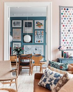my scandinavian home: 15 Fabulous Danish Spaces That Will Brighten Up Your Day Dining Room Design Brighten Danish Day Fabulous home Scandinavian spaces Scandinavian Interior, Home Interior, Summer Deco, Diy Home Decor, Room Decor, Design Living Room, Living Spaces, Interiors Magazine, Ideas Hogar