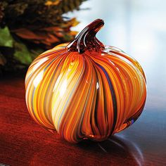 Art Glass Pumpkin Hand-Blown Glass Paperweight Home Decor Fall Halloween NEW - I REALLY want to make this! I've always had the desire to try blowing glass! Blown Glass Art, Art Of Glass, Glas Art, Glass Pumpkins, Faux Pumpkins, Tiffany Glass, Glass Marbles, Glass Paperweights, Fall Halloween
