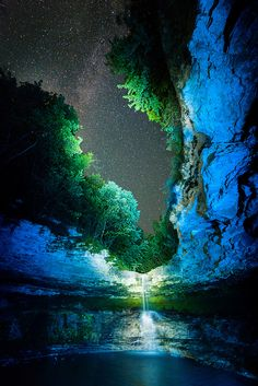 Pandora by Stefan Botnari, on flickr.