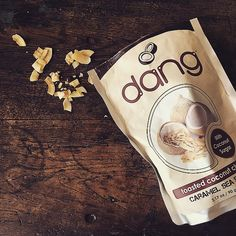 「✝ #vegan #organic #superfoods #coconut #glutenfree #ヴィーガン #オーガニック #スーパーフード #ココナッツ #グルテンフリー ✝ ハマり中のおかし。 ココナッツに塩とココナッツシュガーかけてトーストしてるだけのやつ ✝…」